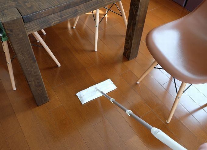 Cワイパーで床のお掃除